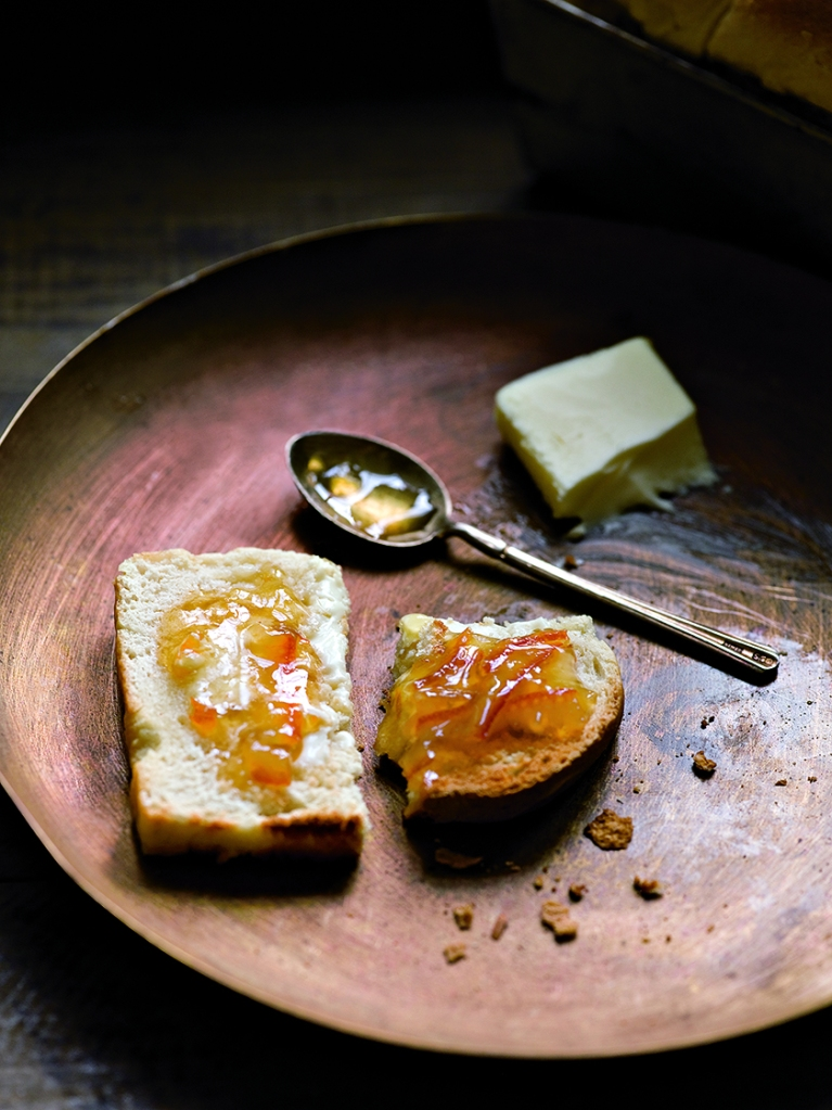 7 © Robyn Lea - Jackson's White Bread with local handmade preserves and butter