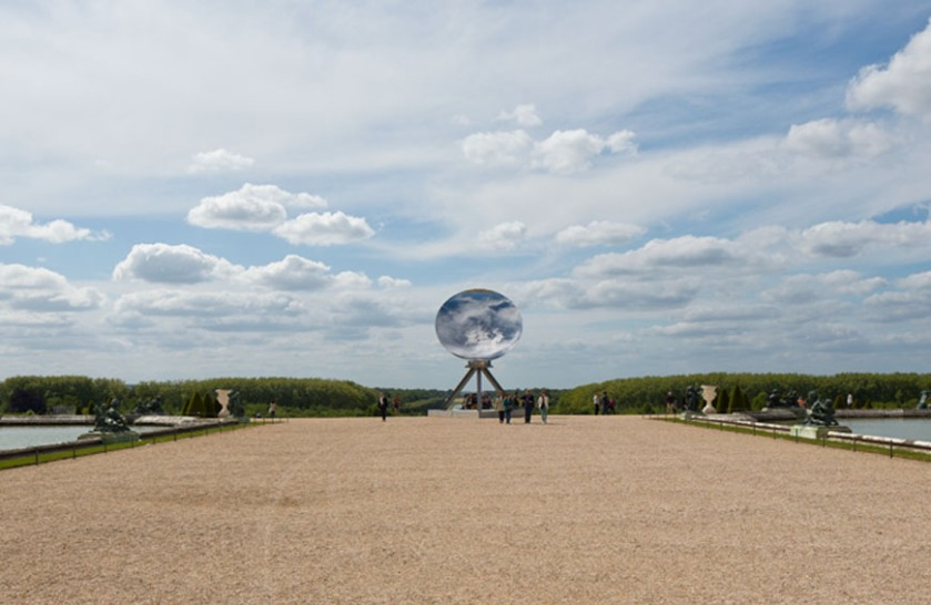Anish-Kapoor-Versailles-exhibition-sky-mirror
