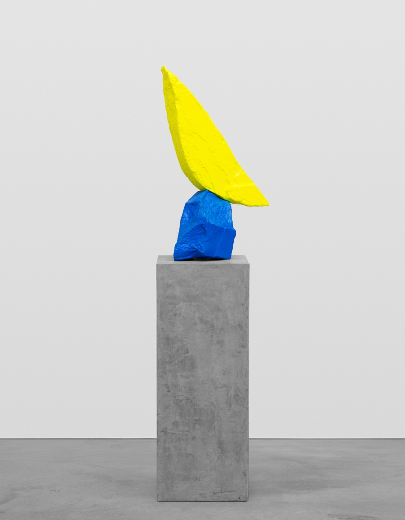 Ugo Rondinone, Blue yellow mountain, 2015. Copyright the artist, courtesy Sadie Coles HQ, London.