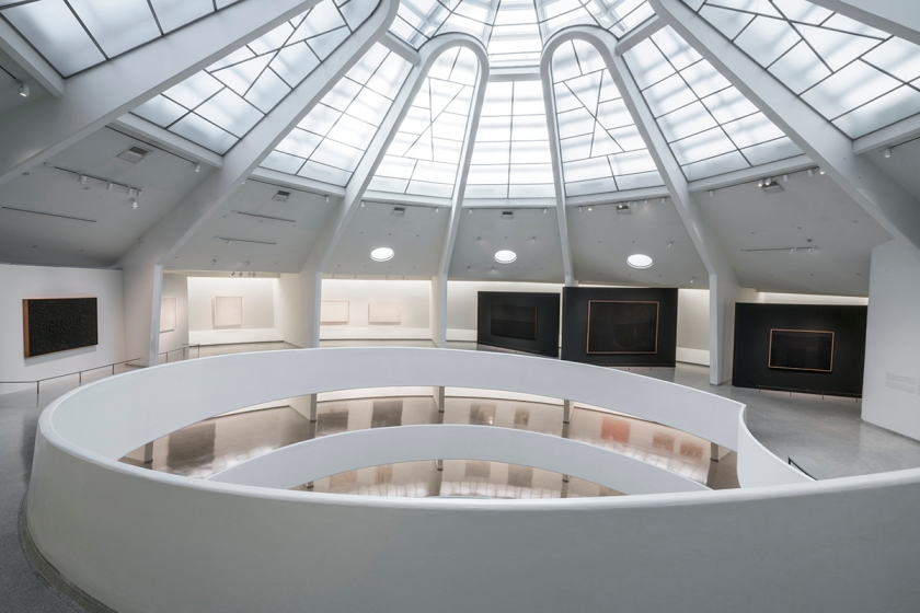 Installation view: Alberto Burri: The Trauma of Painting, October 9, 2015-January 6, 2016, Solomon R. Guggenheim Museum. Photo: David Heald (c) Solomon R. Guggenheim Foundation.