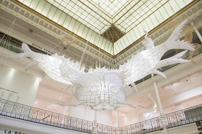 Expo ER XI Ai Weiwei au Bon Marché oeuvre Le Heluo ©Gabriel de la Chapelle