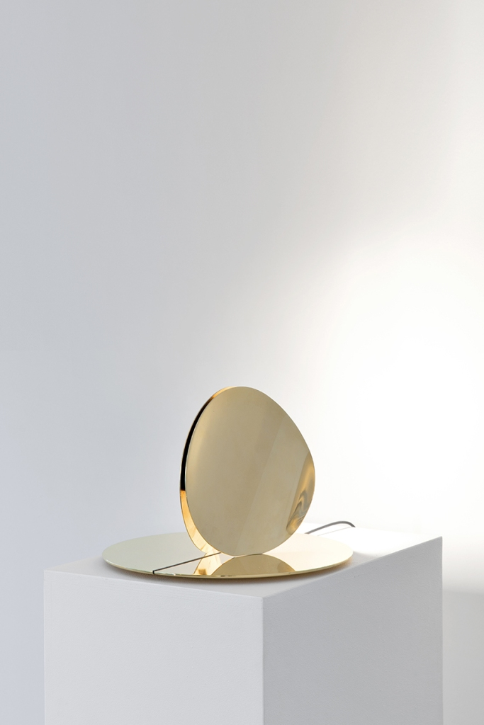 Helmet, 2016 Delta collection LED, brass, electrical materials Courtesy Galleria Giustini Stagetti, Rome