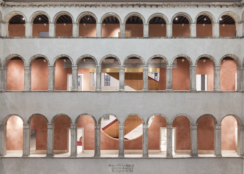 fondaco-dei-tedeschi-renovation-oma-shopping-department-store-venice-restoration-16th-century_dezeen_1568_6