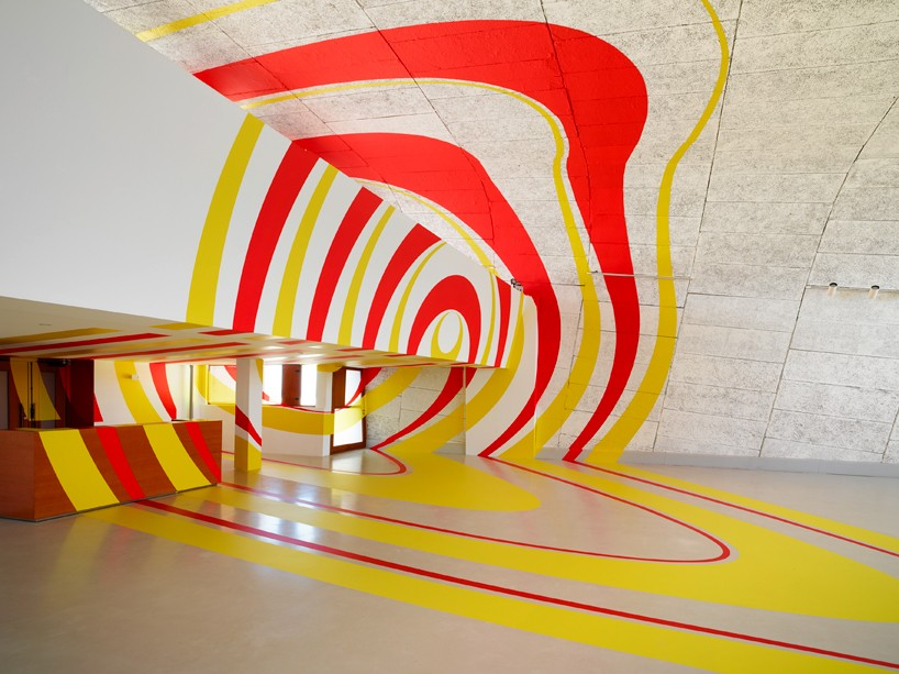 exhibition-ciel-ouvert-felice-varini-mamo-designboom-03-818x613