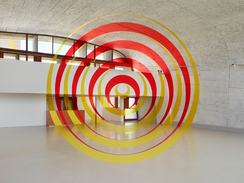 exhibition-ciel-ouvert-felice-varini-mamo-designboom-04-818x613