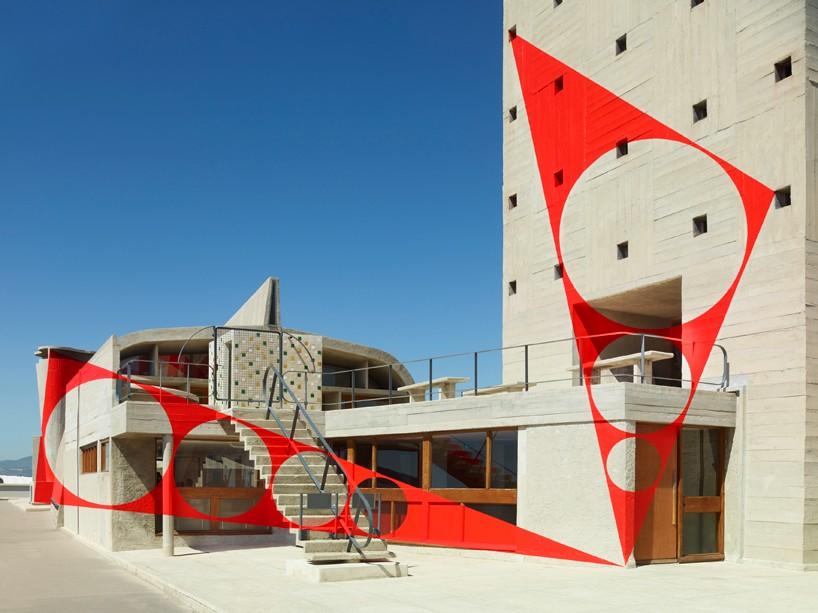 exhibition-ciel-ouvert-felice-varini-mamo-designboom-08-818x613