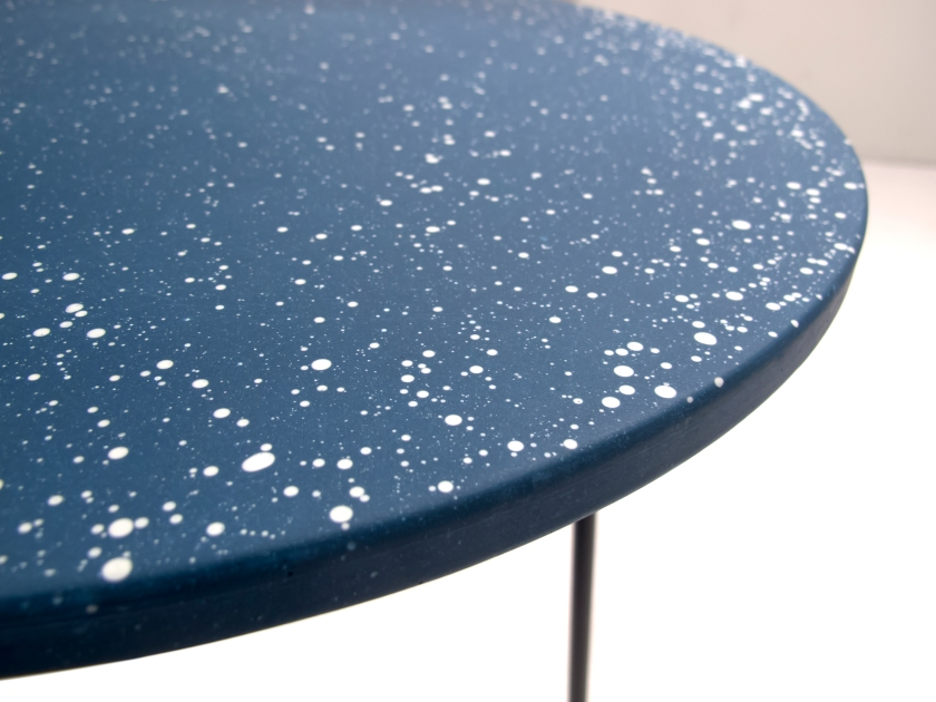 poured-table_coloured-air-version-small-round_detail_troels-flensted